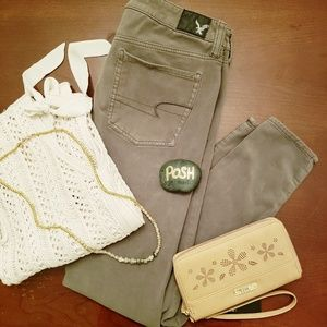 AE 360° army green jeggings